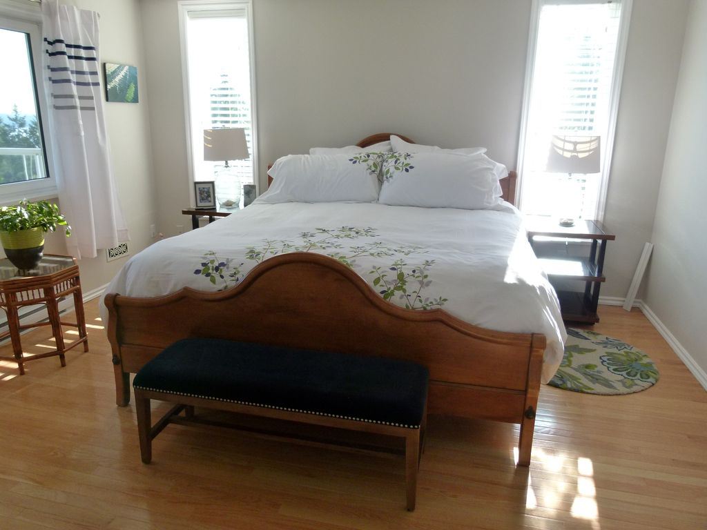 panorama bed and breakfast ocean room chemainus vancouver island british columbia. Black Bedroom Furniture Sets. Home Design Ideas