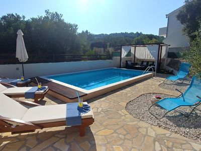 Photo for Holiday house with sea view, outdoor pool and free private parking
