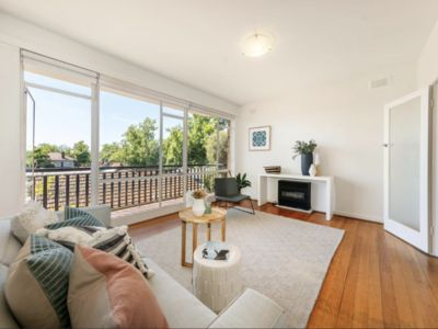 Photo for Elwood / Walk to St Kilda 2bedroom apartment