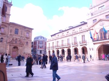 Historical Center, Together City Hall, Cathedral and Fontán, Wiffi
