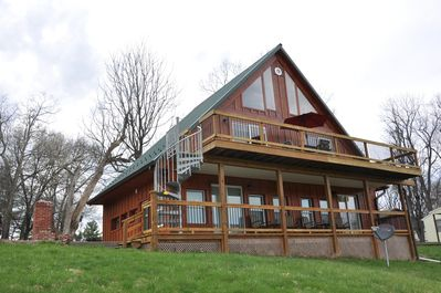 Villa with Majestic Views of Monocacy River. Sleeps 7, 2 Bath, Full Kitchen  - Frederick