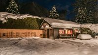 Wonderful chalet and location! Stunning views! Spectacular host!