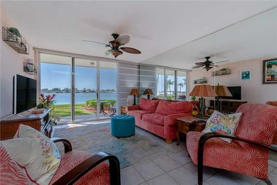 Welcome to Bahia Vista 7 115 - If you've been on the lookout for the perfect vacation rental, your search is over! Book this lovely place today to experience the vacation of a lifetime!