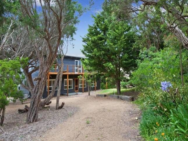 Max Ave Beach House - located at St Andrews Beach