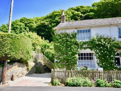 Photo for Stunning Two Bed Coast and Country Holiday Cottage in Shorwell