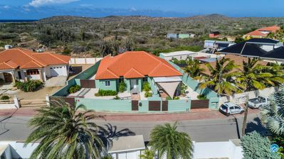 Photo for Affordable and spaceous vacation home in Aruba-BBQ-WIFI-PARKING-CLOSE TO BEACH!