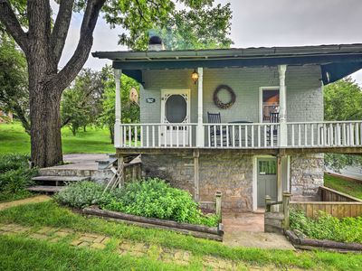 Photo for Historic 1840s Cottage - 1 Mi. to Harrisonburg!