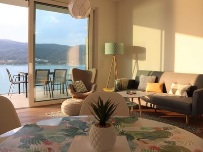 Photo for Apartment right on the Wörthersee