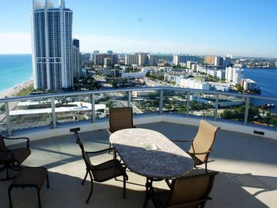 Photo for Beautiful 2BR Bayfront Penthouse Marenas