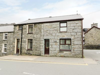 Photo for TWROG, pet friendly, with a garden in Blaenau Ffestiniog, Ref 976932