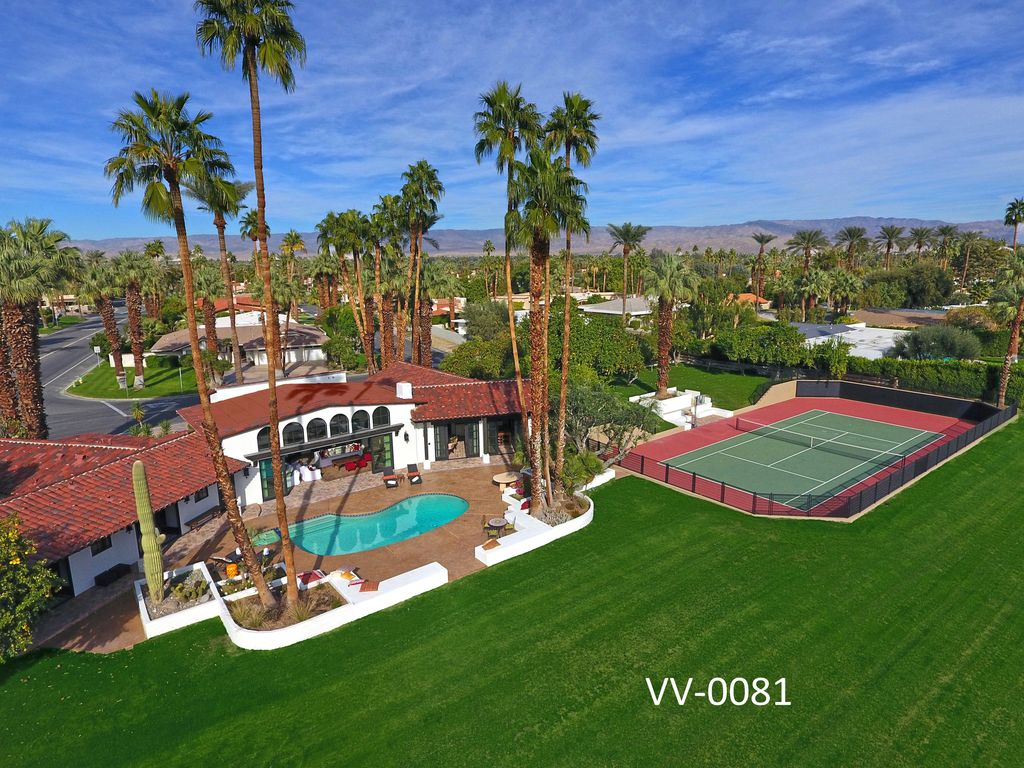 New 2 acre private estate tennis court homeaway for Half acre backyard landscaping ideas