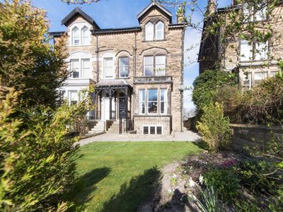 Photo for 1 bedroom Apartment in Harrogate - HH055