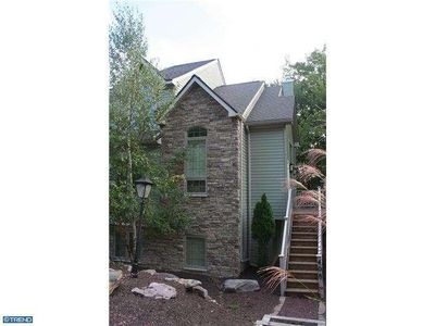 Beautiful & Clean 5 Bdrm Town House!  2 Minutes Away from Skiing at Big Boulder!