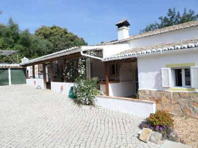 Photo for Fully refurbished farmhouse in an idyllic, hillside location just outside Estoi