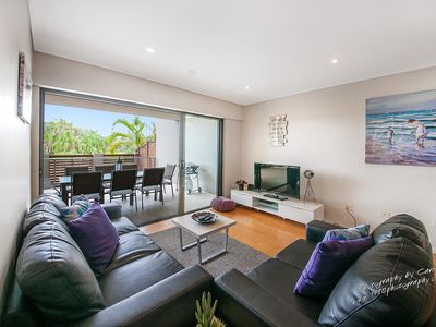 Photo for Spacious 3 bedroom apartment ideal for groups, families and longer stays.