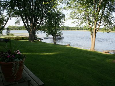 Beautiful and Clean 2 Bedroom Cottage on Clearwater Lake