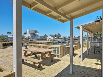 Spacious Galveston House < 1 Mi to Jamaica Beach!