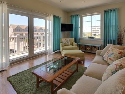 Photo for Charming townhouse w/ shared pool & stunning bay views!