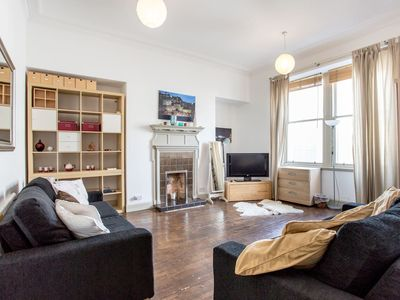 Photo for Spacious Frederick Street Flat Heart of the Centre