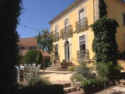 Photo for Charming vineyards house with generous surfaces, garden and pool in Languedoc