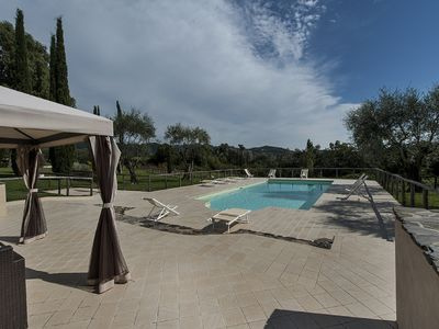 Photo for Luxury villa with private pool, steam bath, Jacuzzi and AC near Versilia Coast