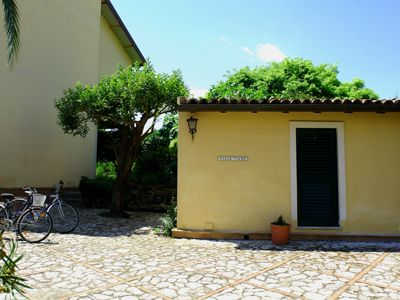 Photo for Volcano House, independent apartment with garden 50 meters from the sea