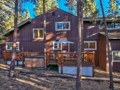 Photo for Heavenly Mountain Home with 4 Bedrooms, Pool Table and Hot Tub