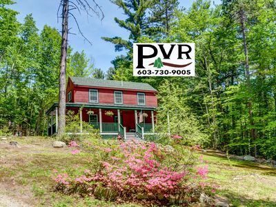 Photo for Private, Peaceful, Updated 2BR Near Storyland. Huge Porch, AC, Cable & WiFi