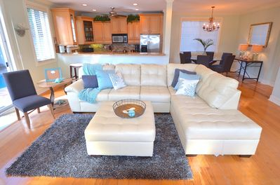 Spacious Open Living  Offers Leather Sleeper + Outdoor Heated Pool Lounge Access