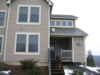 Welcoming townhome, perfect for families, pet friendly