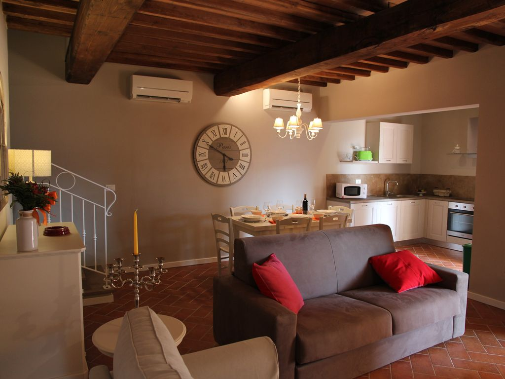 Borgo del silenzio holiday stay olive tree apartment 4 km from ...