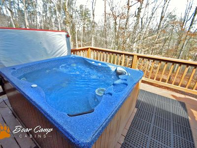 Photo for Great Price, Hot Tub, FREE area attraction Tickets.