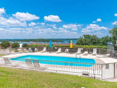 Photo for Cozy Casa De Quest Condo with Pool & Lake Views