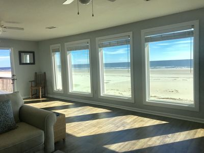 Making Waves Oceanfront/Pet Friendly/Less then 10 Steps to Beach off deck!