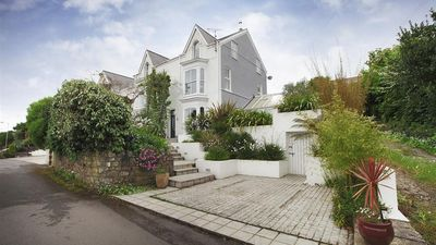 Photo for Overland Road Holiday Home, Mumbles