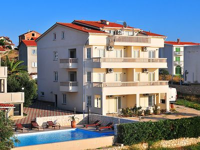 Photo for One bedroom Apartment, sleeps 5 in Povljana with Pool, Air Con and WiFi