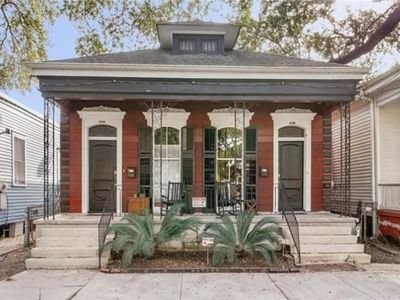 Photo for COTTAGE IN MID CITY-TAKE CANAL STREET CAR TO ANYWHERE YOU DESIRE