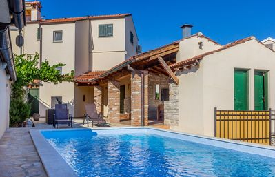 Photo for Holiday house Medulin for 1 - 8 persons with 3 bedrooms - Villa