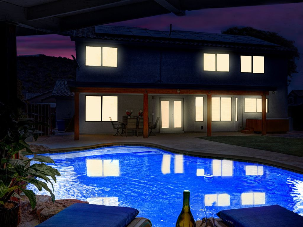PRIVATE JACUZZI, POOL & WATERF: GREAT PRICES FOR APRIL - 4041058