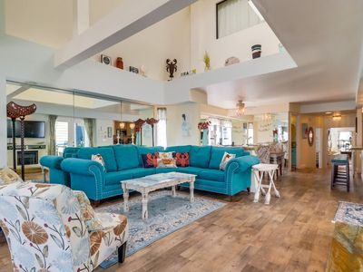San Gabriel Upper by 710 Vacation Rentals | Remodeled Beach Home w/AC, Fast Wifi