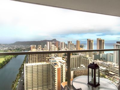 Photo for NEW LISTING! Lovely Waikiki condo w/ shared pool/hot tub/gym - close to beaches