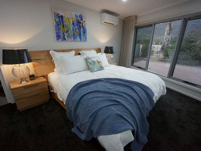 Photo for Heath House - Luxury in the Grampians - Heated Jacuzzi / Spa - Panoramic Views