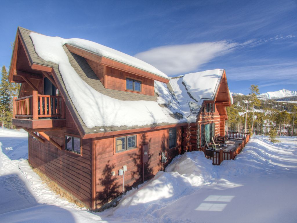 Cozy montana log cabin close to resort base with private for Big sky cabin rentals