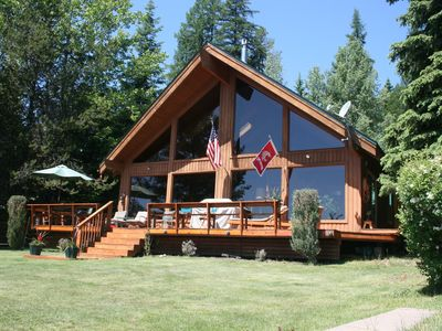 Photo for Priest Lake, Idaho 3 bedroom beachfront home. Great view & location.