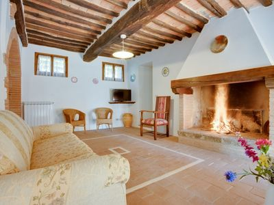 Photo for 3 bedroom Apartment, sleeps 6 in Castello di Montalto with Pool, Air Con and WiFi