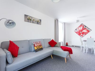 Photo for ⭐️ Apartment in ❤️ of City - with Park views ⭐️