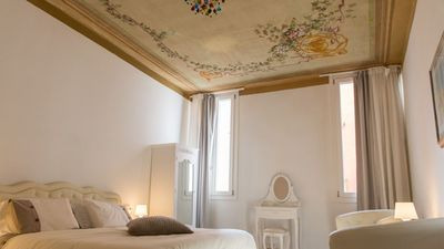 Photo for Large and comfortable apartment close to Rialto bridge and market