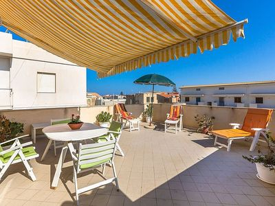 Photo for Casa Pistacchio B: A welcoming apartment situated at a few steps from a sandy beach, with Free WI-FI.
