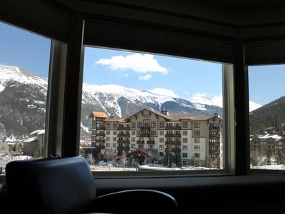 Bay window with view to ski slopes and Sky shutes!