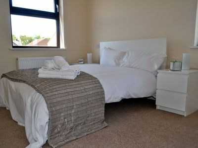 Photo for 2BR Apartment Vacation Rental in Newbury, England